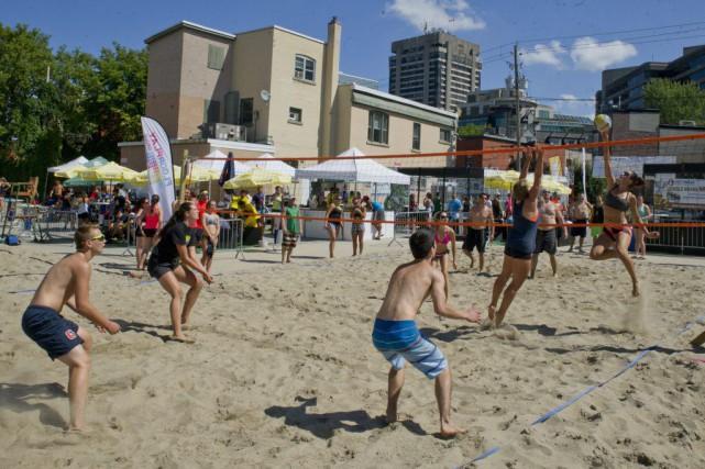 PHOTO MARTIN ROY LE DROIT Volley Ball dans...