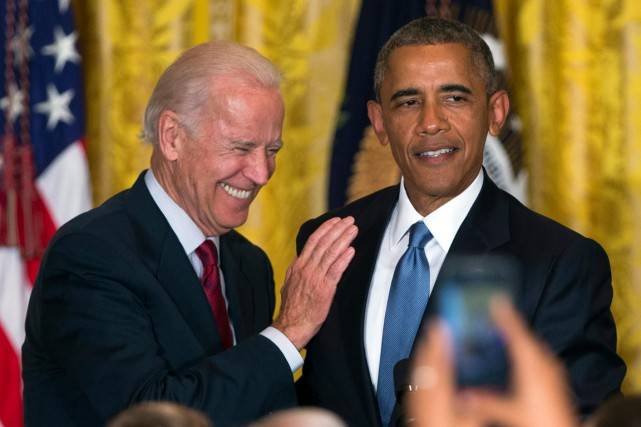 Joe Biden et Barack Obama ont déjeuné ensemble lundi... (PHOTO EVAN VUCCI, AP)