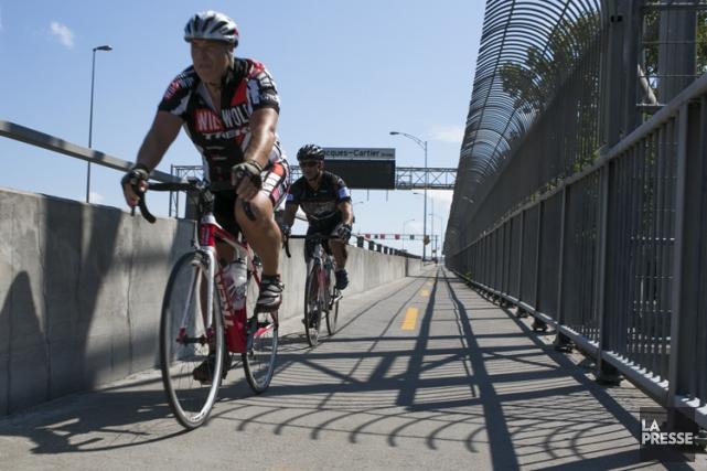 Vélo Québec lance un appel à la prudence... (PHOTO MARTIN TREMBLAY, LA PRESSE)