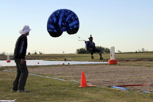 Serge Blouin, un parachutiste de Farnham, participera aux... (Photo Fournie par Serge Blouin)