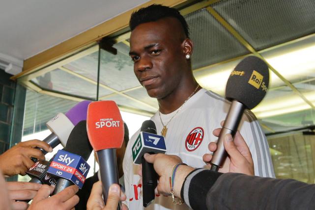 Mario Balotelli s'est adressé aux journalistes après avoir... (Photo Luca Bruno, AP)