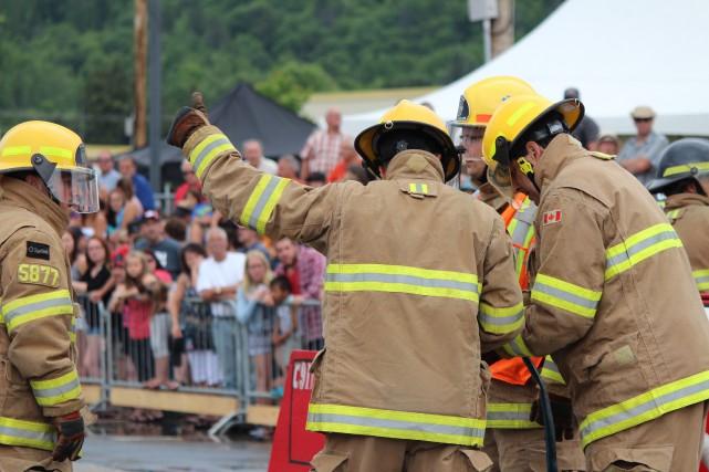 La compétition provinciale de pompiers a attiré près... (Photo: Audrey Tremblay)