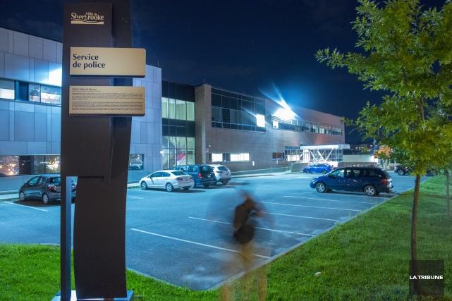 Le Service de police de Sherbrooke se retrouve... (Imacom, Julien Chamberland)