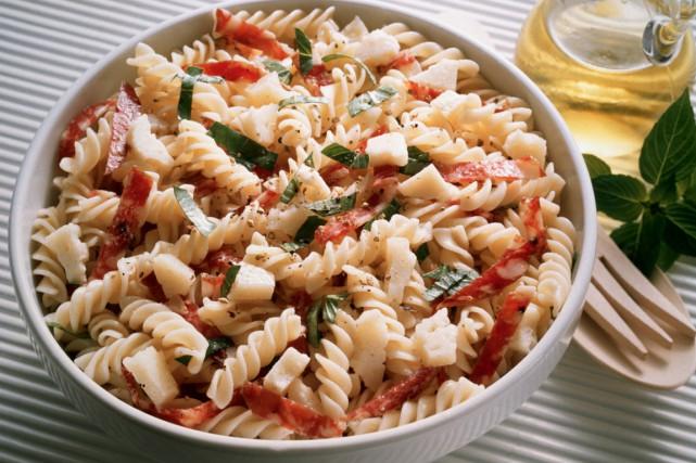 Des recettes de salades de pâtes, parfaites pour les lunchs. (Photo Digital/Thinkstock)