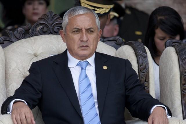 Le président Otto Perez, un général à la... (PHOTO AP)