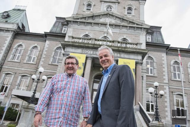 Les maires de Québec et Sherbrooke, Régis Labeaume... (IMACOM, Julien Chamberland)