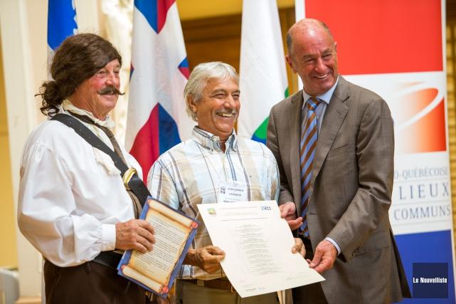 La Société de généalogie du grand Trois-Rivières a remis à seize descendants... (Photo: Olivier Croteau Le Nouvelliste)