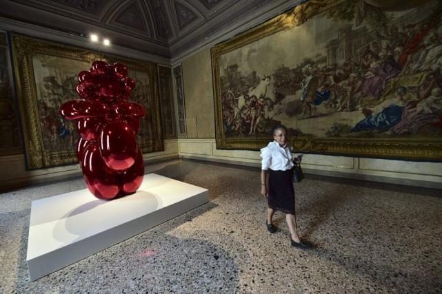 L'oeuvre Ballon Venus de Jeff Koons est présentée... (PHOTO AFP)