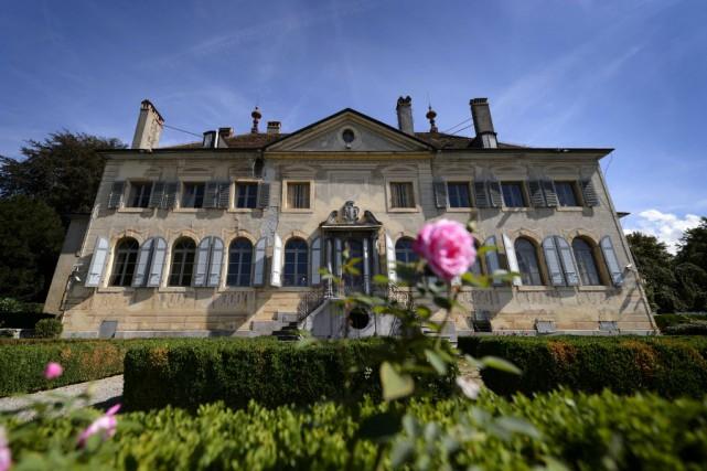 Le prix du château et de ses 26... (Photo FABRICE COFFRINI, AFP)