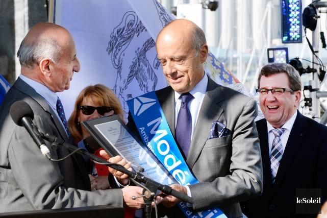 Alain Juppé, maire de Bordeaux et ancien premier... (Le Soleil, Jean-Marie Villeneuve)