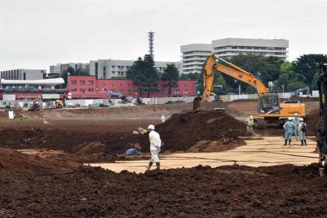 Le chantier du futur stade olympique de Tokyo... (Photo Yoshikazu Tsuno, AFP)