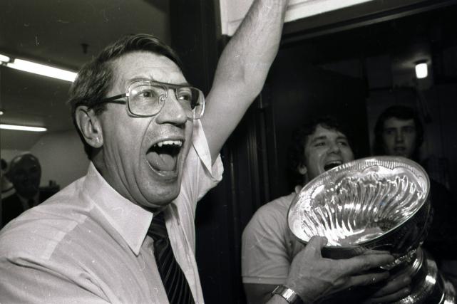 Al Arbour a mené les Islanders de New... (Archives, Associated Press)