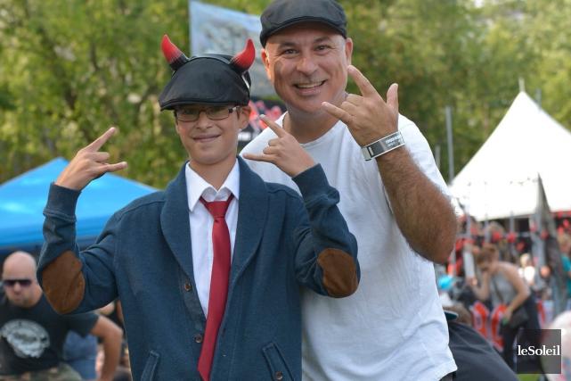 Félix Gauthier, 13 ans, en compagnie de son... (Le Soleil, Yan Doublet)
