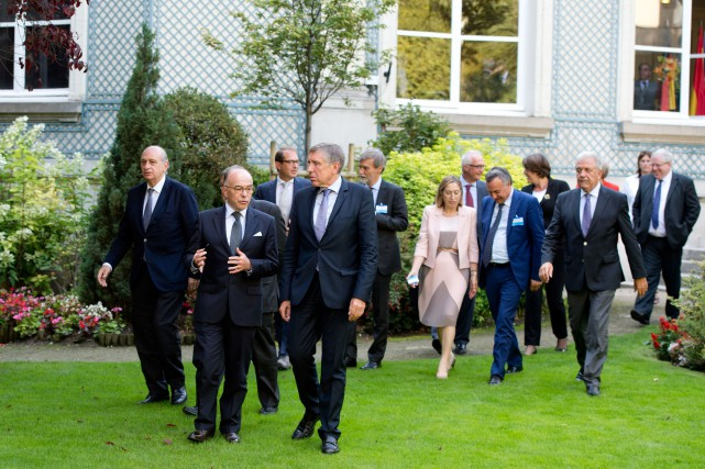 Les ministres de l'Intérieur et des Transports des... (PHOTO ALAIN JOCARD, AFP)