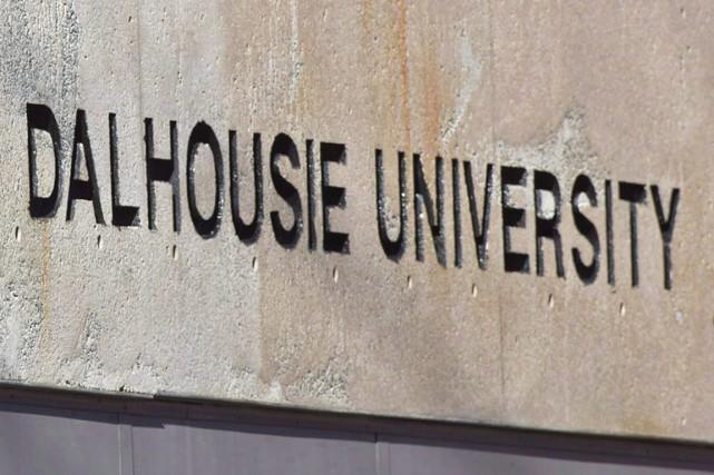 Les enquêteurs tentant d'élucider le meurtre d'un étudiant en physique de... (Photo archives La Presse Canadienne)