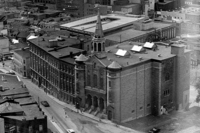 En 1971, le centre-ville de Québec était au sommet de l'ère du béton. Le... (Photo BAnQ. E10,S44,SS1,D71-191,PC3. Jules Rochon)