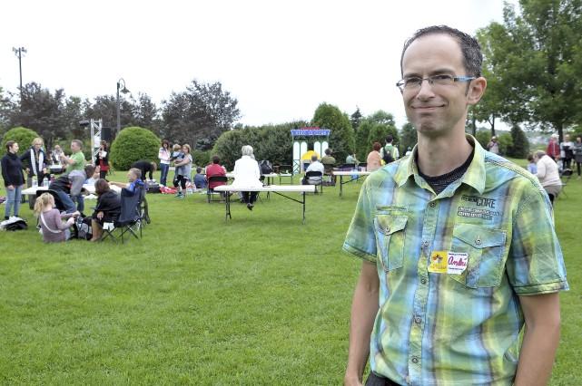André Fortin, membre de l'organisation du festival Humanité,... (Photo Le Progrès-dimanche, Rocket Lavoie)