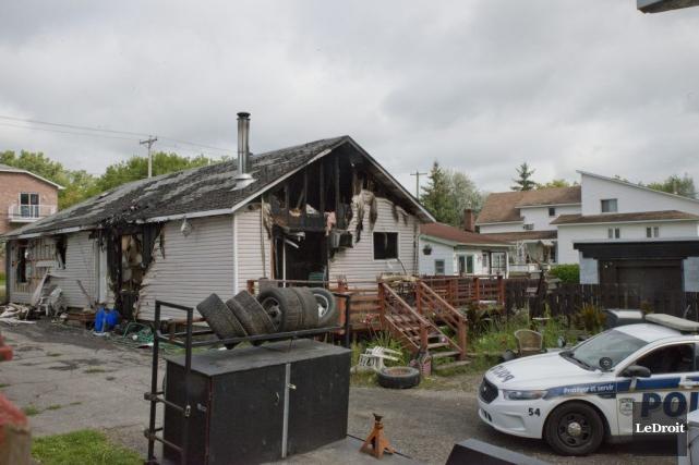 Le SPVG mène l'enquête après l'incendie de cette... (Martin Roy, LeDroit)