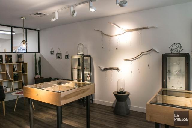 Les créatrices de L'Atelier Épure travaillent l'argent et... (PHOTO HUGO-SEBASTIEN AUBERT, LA PRESSE)