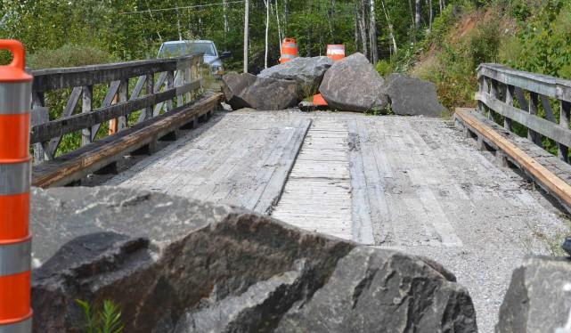 À l'automne 2013, le pont qui relie le... (Photo courtoisie)