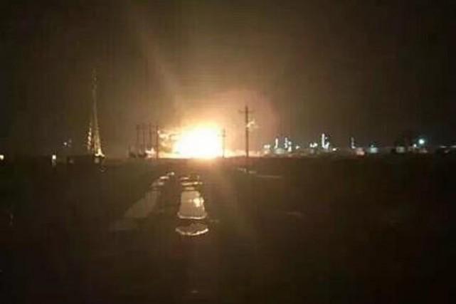 Une explosion a dévasté lundi soir une usine chimique de l'est de la Chine,... (Photo tirée de Twitter)