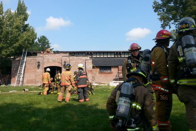 Une trentaine de pompiers de Sherbrooke se sont... (La Tribune, René-Charles Quirion)