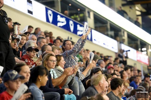 Le Phoenix de Sherbrooke deviendra cette saison la première équipe de la Ligue... (Archives La Tribune, Jocelyn Riendeau)