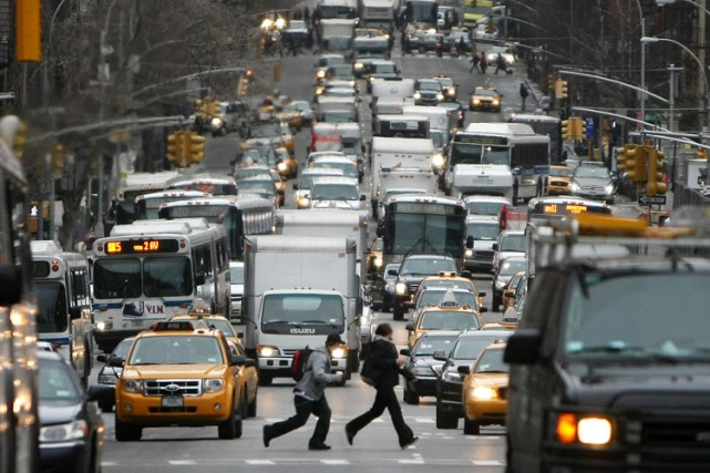 Une portion de la Deuxième Avenue, à Manhattan.... (PHOTO AFP)
