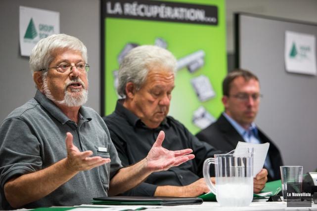 Guy Julien, vice-président du Groupe RCM, à gauche... (Photo: Olivier Croteau Le Nouvelliste)