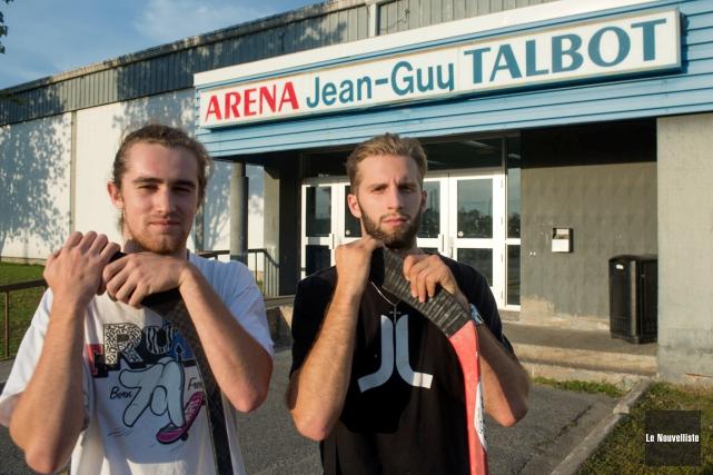 Gabriel Perron et Charles-Alexis Raymond veulent jouer au... (Photo Stéphane Lessard, Le Nouvelliste)