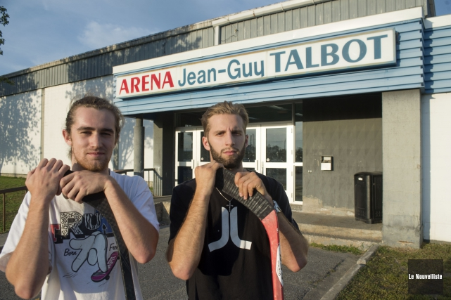 Gabriel Perron et Charles-Alexis Raymond déplorent les décisions... (Photo: Stéphane Lessard Le Nouvelliste)