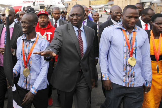 Le vice-président du Kenya, William Ruto (au centre),... (Photo Thomas Mukoya, Reuters)