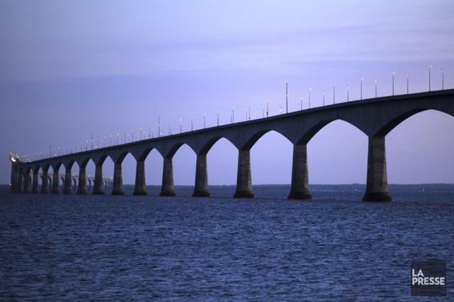 Le pont de la Confédération.... (PHOTO BERNARD BRAULT, ARCHIVES LA PRESSE)