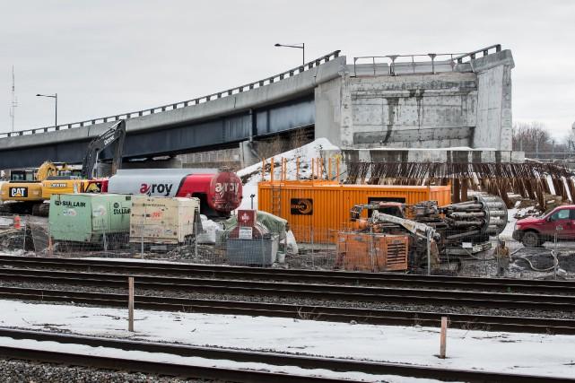 Les travaux que Construction Garnier avait à effectuer à l'échangeur Dorval... (PHOTO EDOUARD PLANTE-FRÉCHETTE, ARCHIVES LA PRESSE)