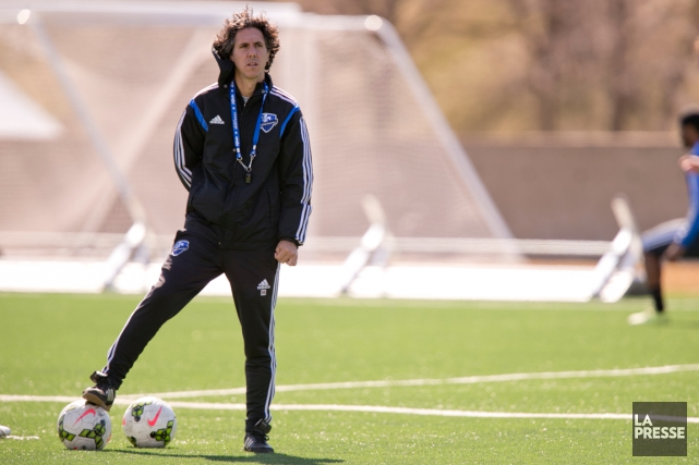 Mauro Biello a dirigé le premier entraînement post-Klopas... (Photo David Boily, archives La Presse)