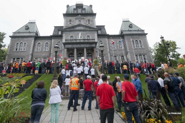 La Ville de Sherbrooke et le syndicat de ses employés, à l'exception des... (Archives La Tribune, René Marquis)