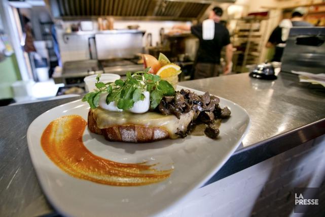Régine Café fait du brunch une expérience culinaire... (Photo David Boily, La Presse)