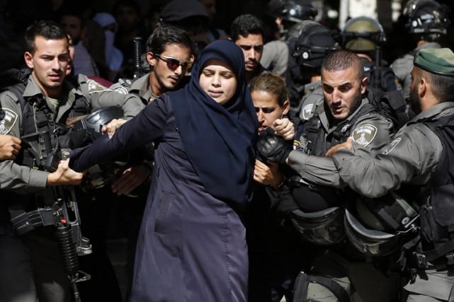 Les tensions restent fortes entre Israéliens et Palestiniens... (ARCHIVES AFP)