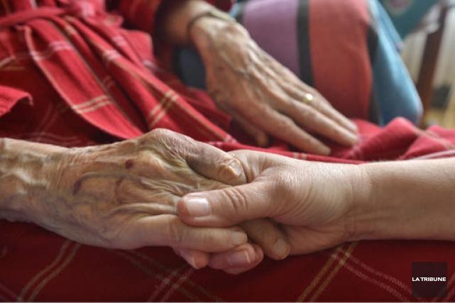 Le refus des 29 maisons de soins palliatifs d'offrir l'aide médicale à mourir... (Archives La Tribune)