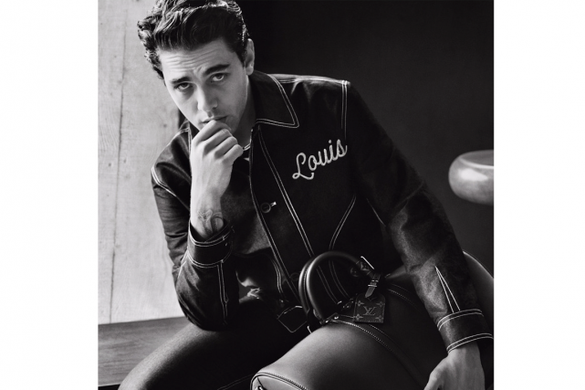 Xavier Dolan est le nouvel ambassadeur de Louis... (PHOTO ALASDAIR MCLELLAN, FOURNIE PAR LOUIS VUITTON)