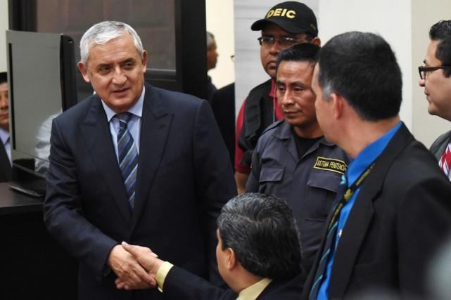 Redevenu simple justiciable, Otto Pérez, accusé de diriger... (PHOTO JOHAN ORDONEZ, AFP)