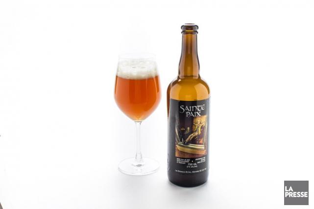 Bière saisonnière par excellence, la Sainte paix de RJ a d'abord mis en vedette... (PHOTO OLIVIER PONTBRIAND, LA PRESSE)