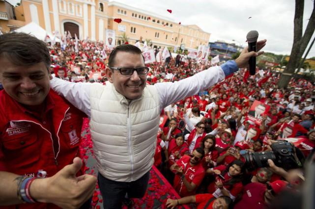 Manuel Baldizon, candidat à la présidentielle.... (Photo Moises Castillo, AP)