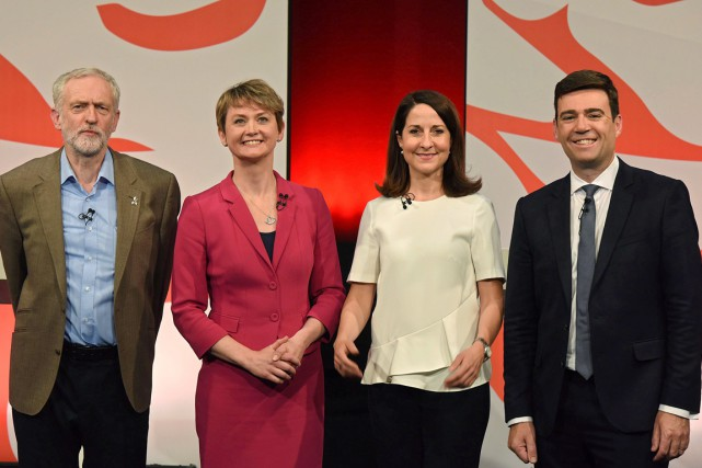Jeremy Corbyn, Yvette Cooper, Liz Kendal et Andy Burnham... (Photo AFP)