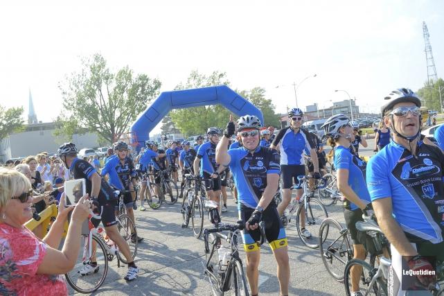 210 cyclistes ont participé à la deuxième édition... (Photo Le Quotidien, Gimmy Desbiens)