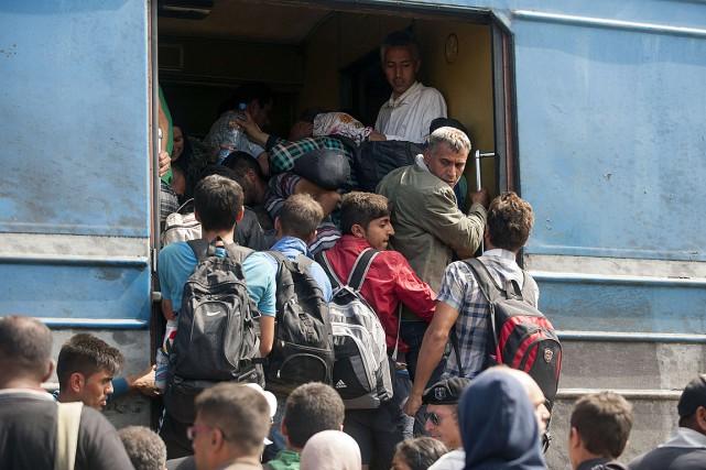 Alors que de nombreux pays européens ouvrent leurs... (PHOTO ROBERT ATANASOVSKI, AFP)