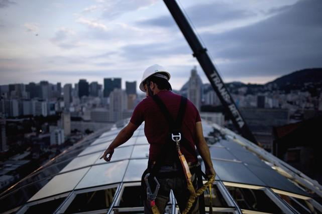 Trois travailleurs sur quatre sur la planète ne... (Photo Dado Galdieri, archives Bloomberg)