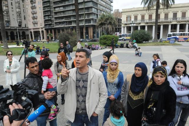 Des réfugiés syriens ont parlé à la presse,... (Photo Miguel ROJO, AFP)