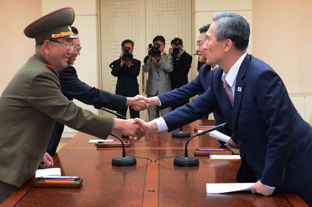 Les dirigeants nord et sud-coréens ont conclu une... (PHOTO AP)