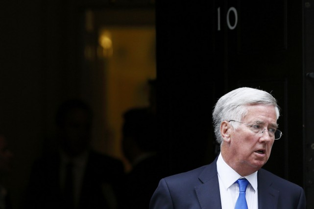 Le ministre britannique de la Défense Michael Fallon.... (PHOTO STEFAN WERMUTH, REUTERS)
